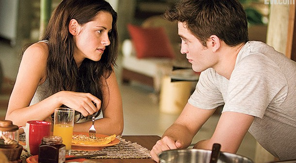 Bella-Edward-Breakfast_610