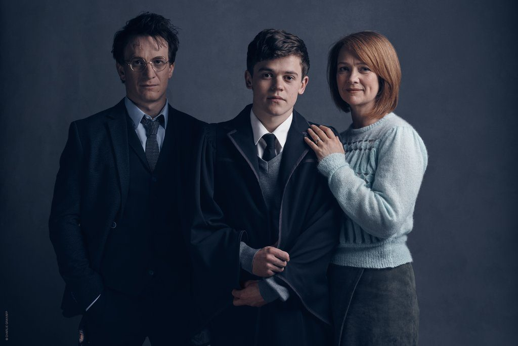 Harry Potter (Jamie Parker), Albus Severus Potter (Sam Clemmett), and Ginny Potter (Poppy Miller) in Harry Potter and the Cursed Child
